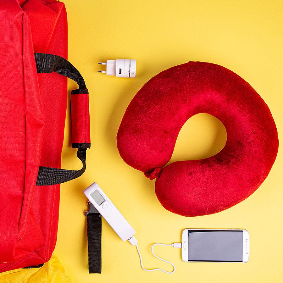 Набор подарочный GIRLS` TRIP: подушка, багажные весы, кабель, сумка, красный