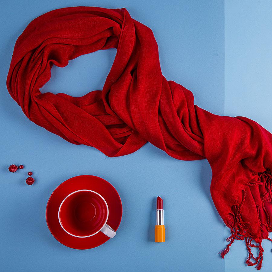Набор подарочный CHERRYFAIRE: шарф, чайная пара, коробка, стружка, красный