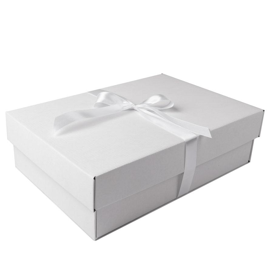 Коробка подарочная с атласной лентой