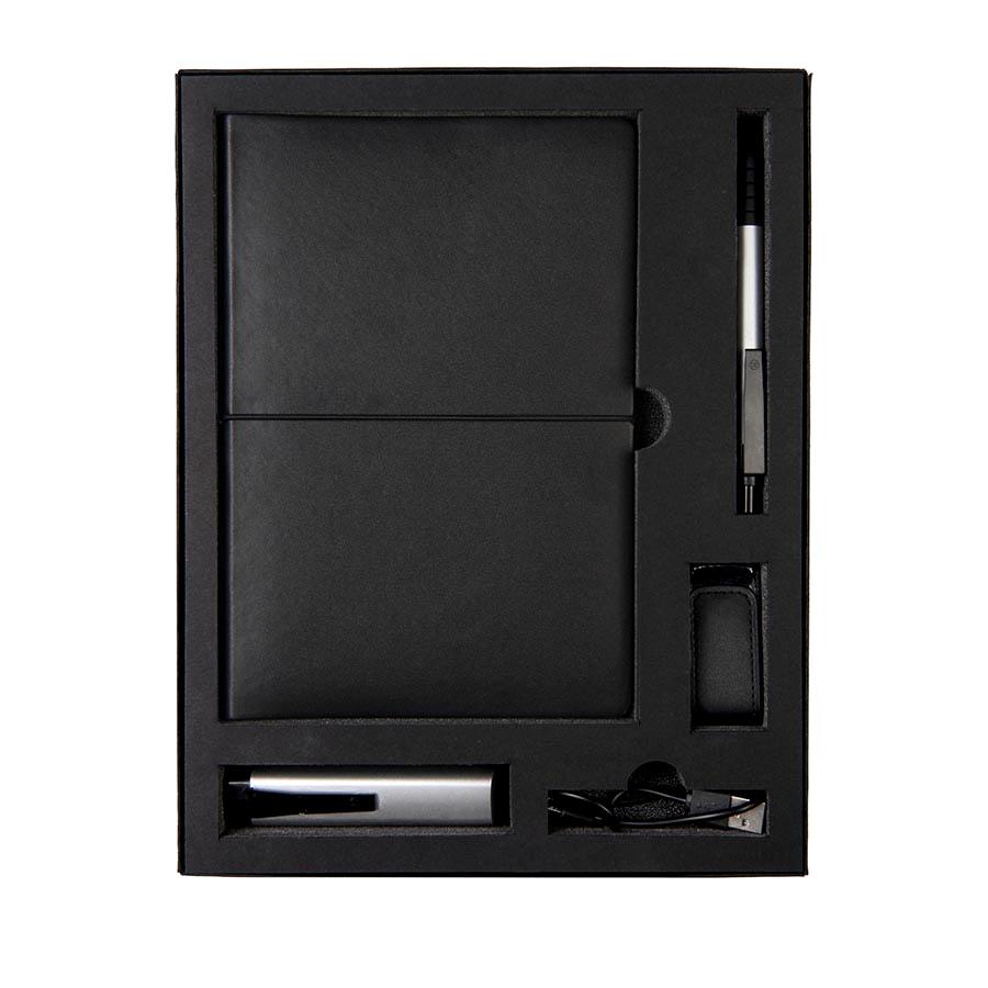 Набор  BLACKY TOWER: универсальное зарядное устройство (2200мАh), блокнот, USB flash-карта и ручка в подарочной коробке